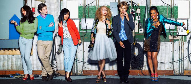 "Katie Findlay as Maggie, Brendan Dooling as Walt, Ellen Wong as Mouse, AnnaSophia Robb as Carrie, Austin Butler as Sebastian and Freema Agyeman as Larissa in ""The Carrie Diaries."""