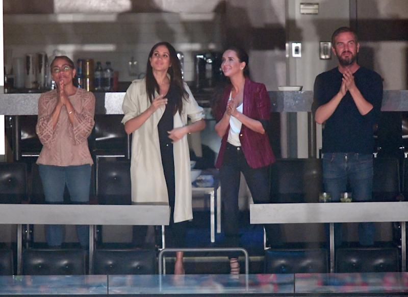 TORONTO, ON - SEPTEMBER 30: (L-R) Doria Radlan, Meghan Markle, Jessica Mulroney and Markus Anderson are seen at the Closing Ceremony on day 8 of the Invictus Games Toronto 2017 at the Air Canada Centre on September 30, 2017 in Toronto, Canada. The Games use the power of sport to inspire recovery, support rehabilitation and generate a wider understanding and respect for the Armed Forces. (Photo by Karwai Tang/WireImage)