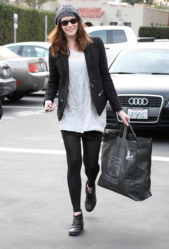 """Jersey Girl"" Liv Tyler found something to make her smile on a weekday shopping expedition in Beverly Hills. AKM IMAGES/<a href=""http://www.splashnewsonline.com"" target=""new"">Splash News</a> - January 25, 2010"