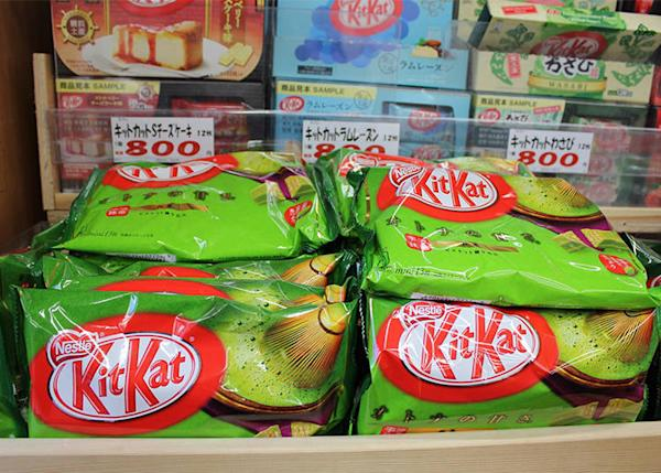 Among the various matcha flavors, KitKat Mini Otona no Amasa Matcha is the most popular. (234 yen)