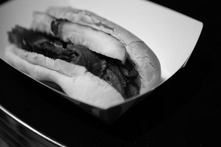 <p>Pastrami dogs are on the menu at the DNC Convention in Philadelphia, PA. on July 25, 2016. (Photo: Khue Bui for Yahoo News)</p>