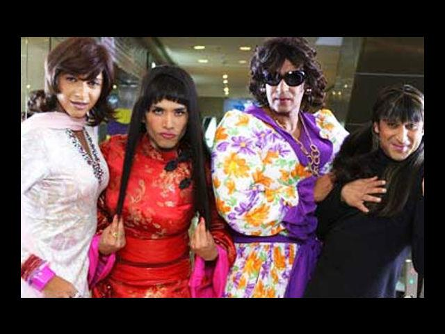 <b>5. Tusshar Kapoor</b><br> He did not go down alone; he took Ajay Devgn, Shreyas Talpade and Arshad Warsi with him. But one look at them and you will vote for Tusshar Kapoor! Poker-straight hair, flaming red kimono and smoky eyes – Tusshar looked like an Oriental seductress in the Golmaal sequel. The others' look … well, it was a drag!