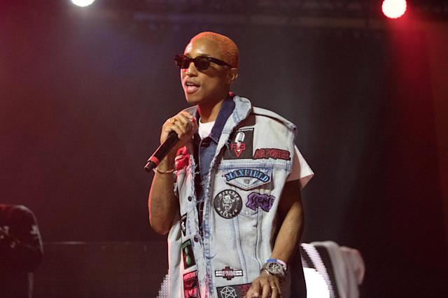 Pharrell Williams performs at ComplexCon 2017 with orange hair. (Photo: Earl Gibson III/Getty Images)