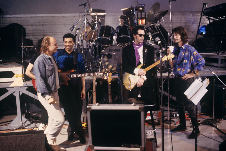 (MANDATORY CREDIT Ebet Roberts/Getty Images) (L-R) Joe Satriani (hidden), Mick Brigden, Doug Wimbish,  Simon Phillips (drums), Jimmy Rip and Mick Jagger rehearse for Mick Jagger's solo tour at SIR Studios in New York City on February 20, 1988. (Photo by Ebet Roberts/Redferns)