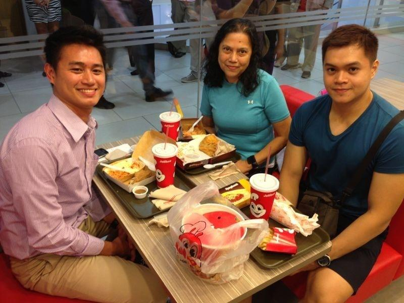 These lucky customers were the first to get a taste of Jollibee's signature fried chicken.