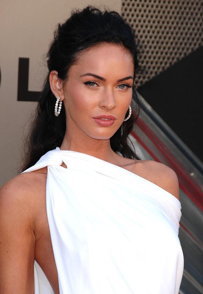 "<a href=""http://movies.yahoo.com/movie/contributor/1808488000"">Megan Fox</a> at the Los Angeles premiere of <a href=""http://movies.yahoo.com/movie/1809943432/info"">Transformers: Revenge of the Fallen</a> - 06/22/2009"