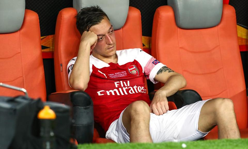 Mesut Özil looks dejected on the bench after being taken off in the 2019 Europa League final defeat by Chelsea.