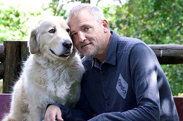 Jordi Rebell & # xf3; n with his dog