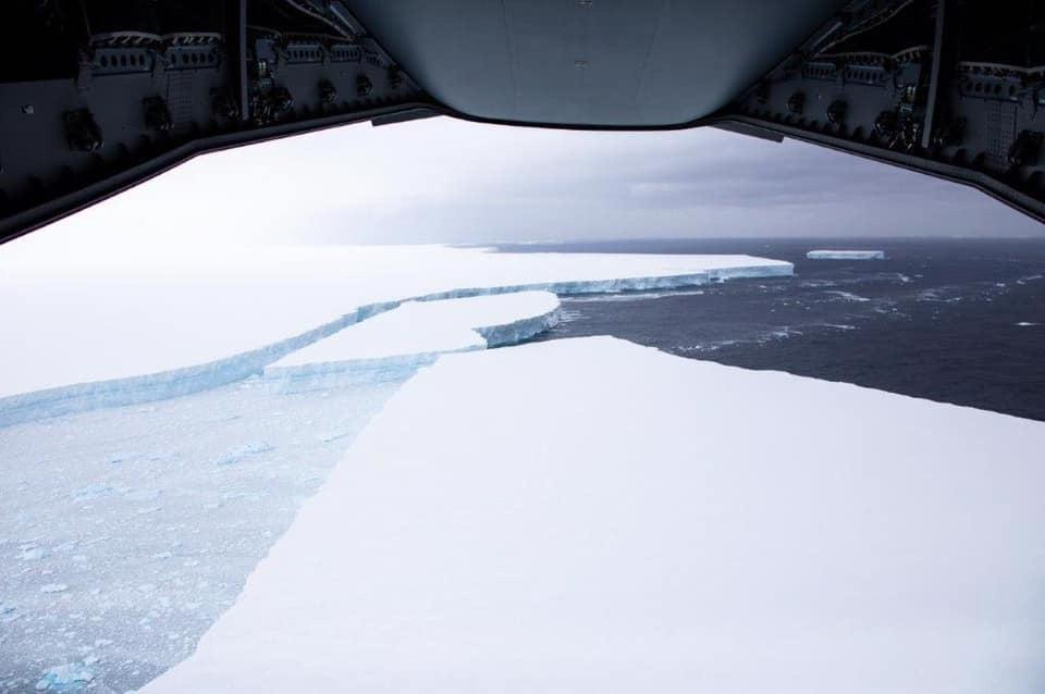 Large tabular icebergs were seen breaking off from A68aBFSAI