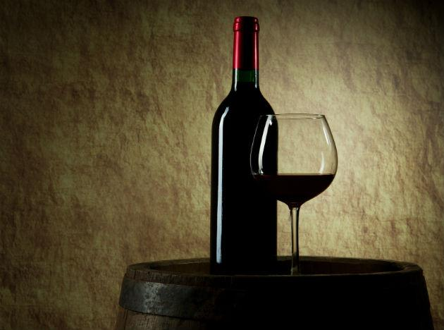 <b>Red Wine <br><br>When to Drink:</b> At Dinner Enjoy a glass of red wine: Piceatannol, a compound your body makes when you drink vino, could stunt fat-cell growth (woot!), the Journal of Biological Chemistry reports.