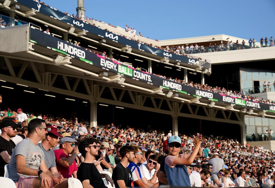 More than 18,000 fans watched the start of the mens competition (John Walton/PA) (PA Wire)