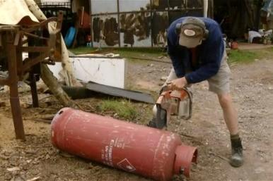 Cutting the gas canister