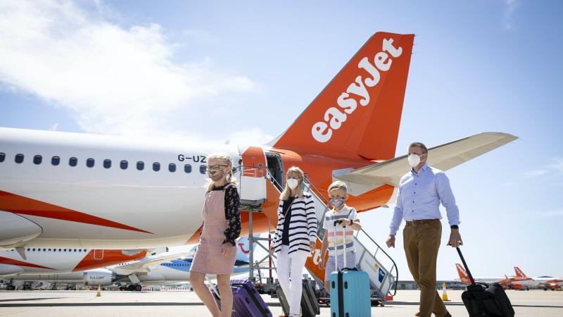 Soaring airlines fail to rescue London's top market from a drop