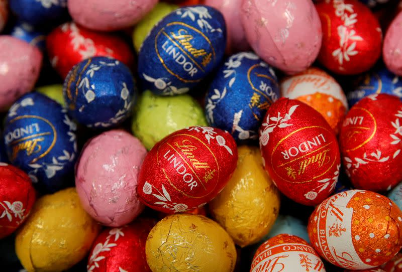 FILE PHOTO: Chocolate eggs of Swiss chocolatier Lindt & Spruengli are displayed in Kilchberg