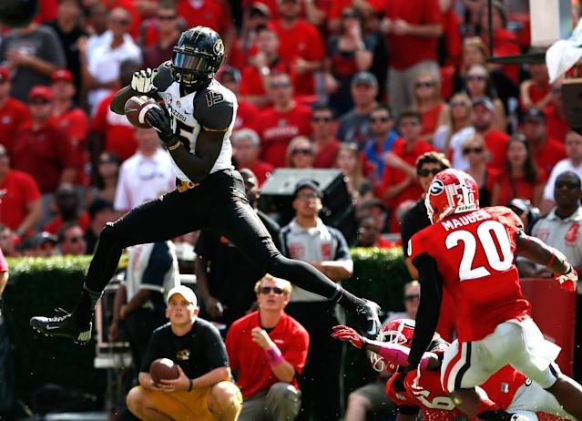 ATHENS, GA - OCTOBER 12: Dorial Green-Beckham #15 of the Missouri Tigers pulls in this reception against Shaq Wiggins #6 and Quincy Mauger #20 of the Georgia Bulldogs at Sanford Stadium on October 12, 2013 in Athens, Georgia. (Photo by Kevin C. Cox/Getty Images)