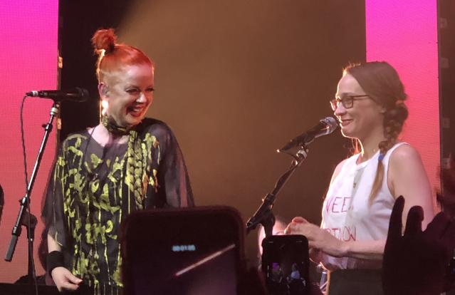 Shirley Manson and Fiona Apple onstage at the 2018 Girlschool in Los Angeles. (Photo: Melissa Geisler)