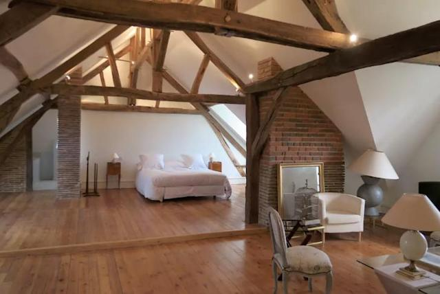 <p>The massive five-bedroom guesthouse, known as the Ford Chapel, was built in the early 18th century but has since been renovated. </p>