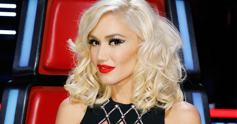 Singer Gwen Stefani debuted her new hairstyle, complete with (possibly clip-on) bangs, on The Voice.