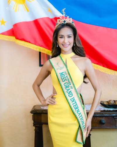 Samantha Bernardo was crowned the first runner-up in the Miss Grand International 2020