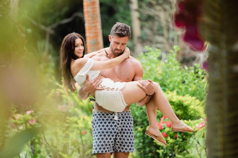 Luke and Lisa have confirmed they've split, just hours after viewers saw them stroll off into the sunset together on Bachelor in Paradise. Source: Ten