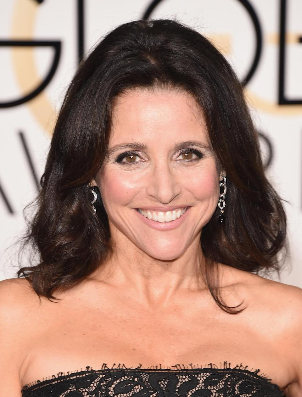"""<p>The <i>Veep </i>star was at the beach one week ago, according to <a href=""""https://www.instagram.com/p/_7YmC-Oxlh/?taken-by=officialjld"""" rel=""""nofollow noopener"""" target=""""_blank"""" data-ylk=""""slk:Instagram"""" class=""""link rapid-noclick-resp"""">Instagram</a>, so she's still rocking the glow. <i>(Photo: Getty Images)</i></p>"""