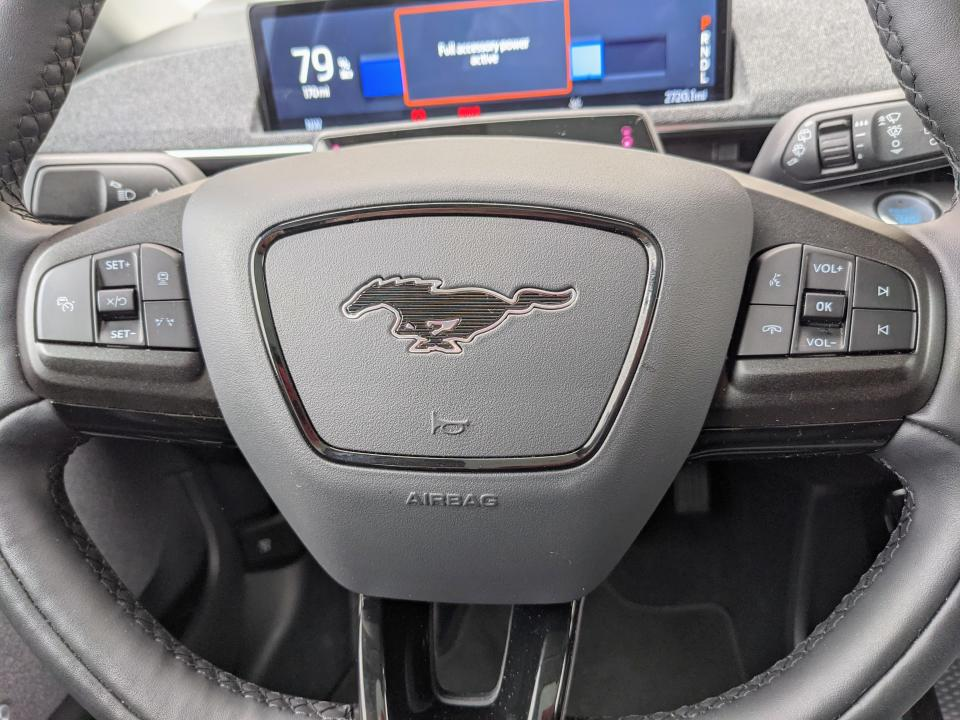 <p>On the left, you'll see controls for the vehicle's adaptive cruise control, lane keeping and crash warning systems. On the right, drivers will be able to activate the voice commands, hang up phone calls, skip and rewind tracks and control the audio volume.</p>
