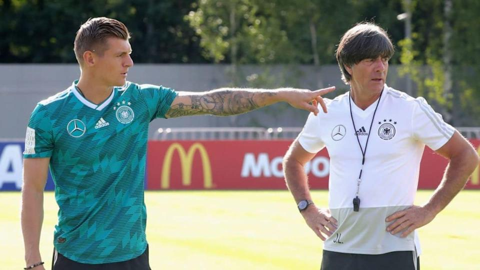 Toni Kroos y Joachim Low, Alemania | Alexander Hassenstein/Getty Images