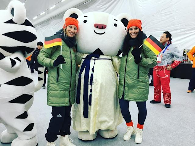 <p>tinageiger: Let the games begin #PyeongChang2018 #teamdeutschland #wirfuerd #adidas (Photo via Instagram/tinageiger) </p>