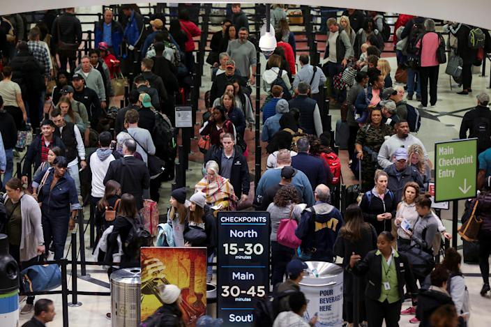 Long lines are seen at a Transportation Security Administration (TSA) security checkpoint at Hartsfield-Jackson Atlanta International Airport amid the partial federal government shutdown, in Atlanta, Ga., Jan.18, 2019. (Photo: Elijah Nouvelage/Reuters)