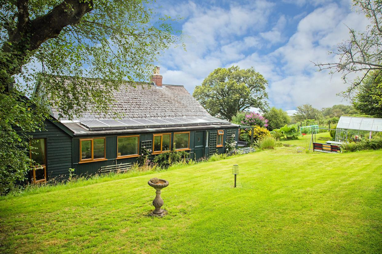 Autumn Woods has incredible grounds and is nestled in the Dartmoor moors.  (SWNS)
