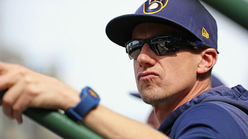 Brewers manager Counsell extends contract