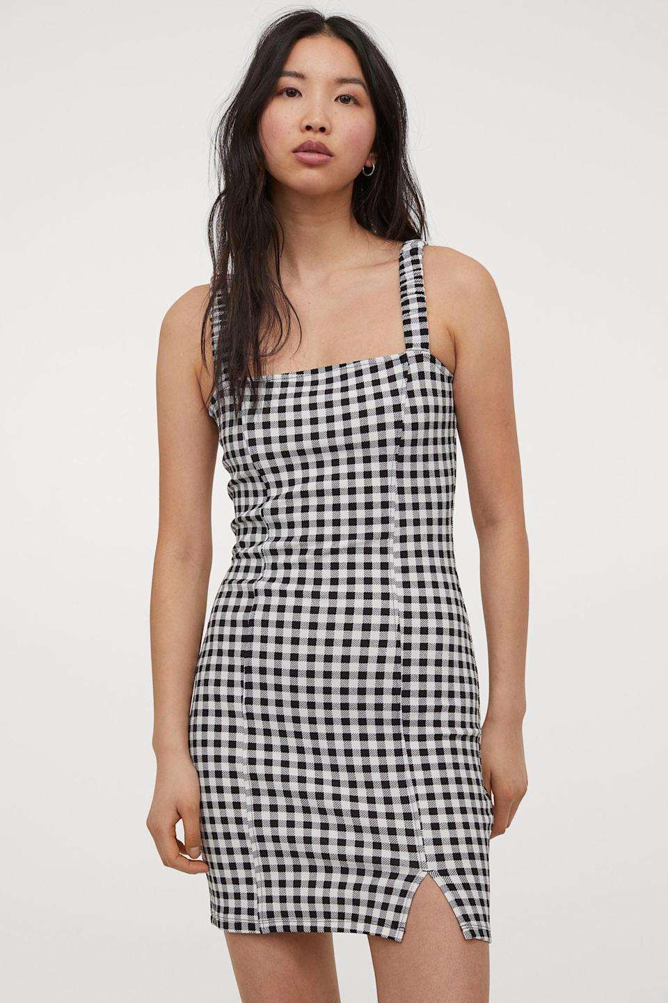 <p>The slit and fitted profile of this <span>H&amp;M Bodycon Dress</span> ($13) make it stand out.</p>
