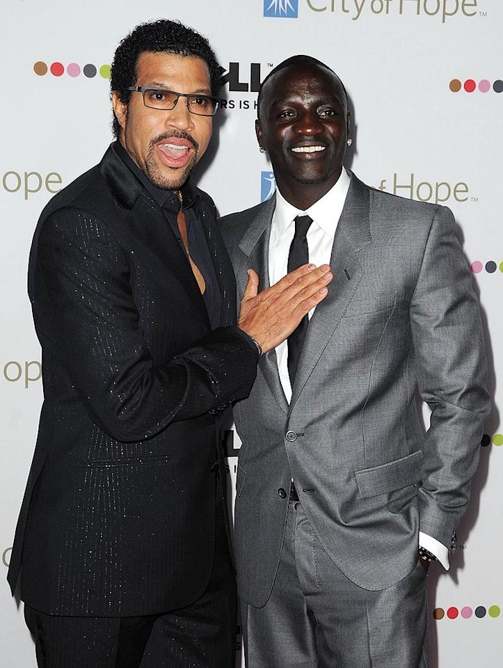 "Lionel Richie and Akon bumped into each other upon hitting the red carpet. Jordan Strauss/a href=""http://www.wireimage.com"" target=""new"">WireImage.com - October 15, 2008"