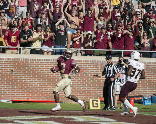 "Florida State RB <a class=""link rapid-noclick-resp"" href=""/ncaaf/players/275237/"" data-ylk=""slk:Cam Akers"">Cam Akers</a> is the team's leading rusher. (AP Photo/Mark Wallheiser)"