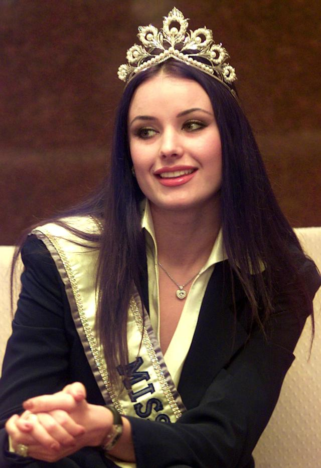 Oxana Fedorova at a press conference in Indonesia in 2002. (Photo: AP/Dita Alangkara)