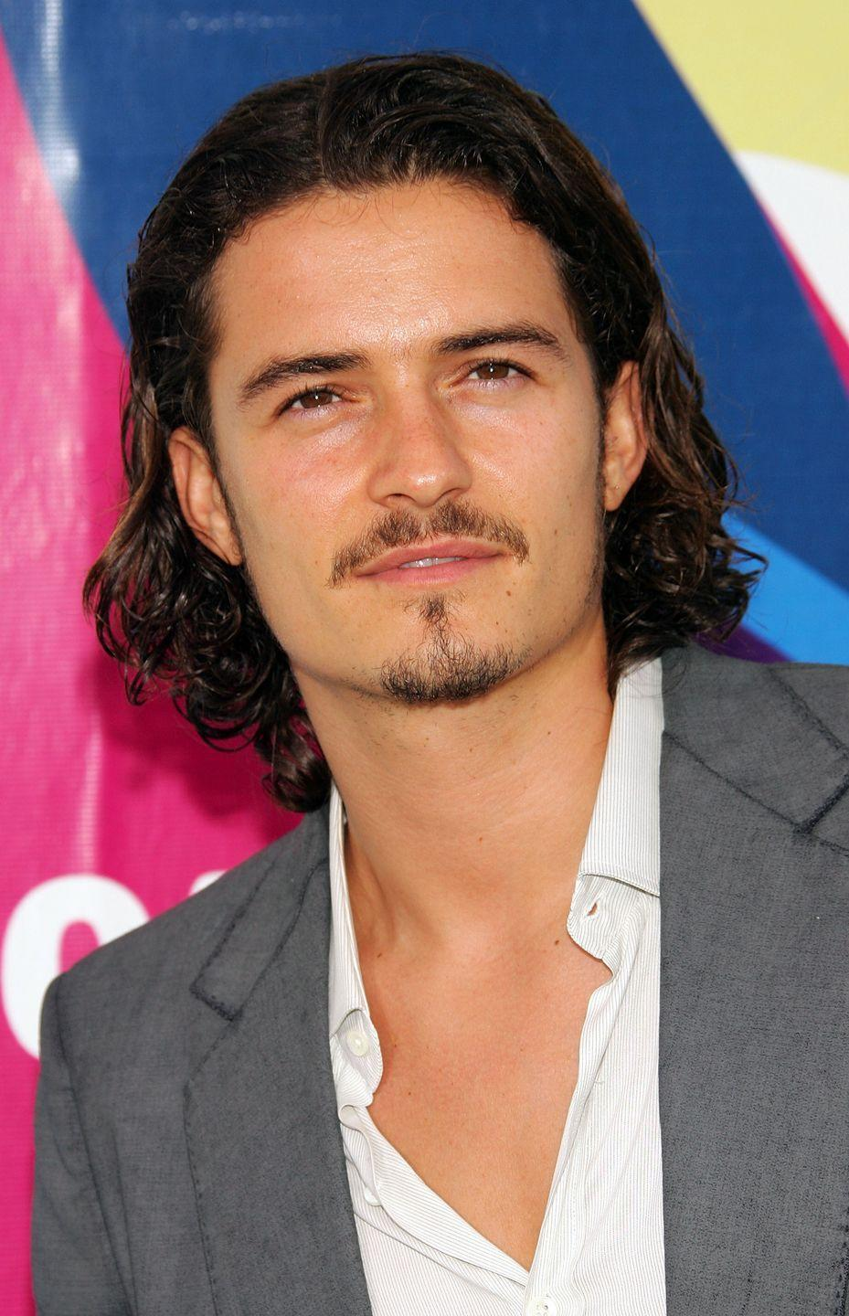 <p>Orlando Bloom gave audiences a sneak peak at him with longer hair in the <em>Lord of the Rings</em>, however this blonde 'd0 was a wig. In 2005 we saw the real deal when he grew his hair out for <em>Pirates of the Caribbean.</em></p>