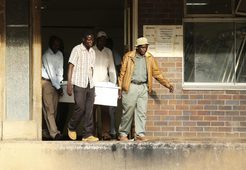 Bare-handed surgeries as Zimbabwe's health system collapses