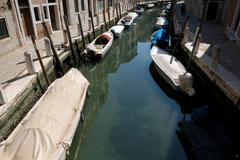 Clear water is seen in Venice's canals due to less tourists, motorboats and pollution due to Italy's coronavirus lockdown. Source: AAP