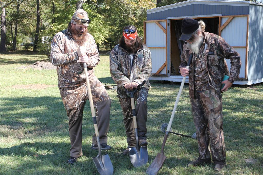"Justin Martin, Jep Robertson and Si Robertson in the ""Duck Dynasty"" Season 3 episode, ""Ring Around the Redneck."""