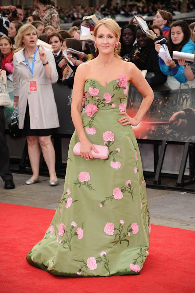 """<a href=""""http://movies.yahoo.com/movie/contributor/1802867491"""">J.K. Rowlings</a>  Worst: Better suited for a garden party at Buckingham Palace, JK's Oscar de la Renta gown looks like an escapee from a drapery factory."""