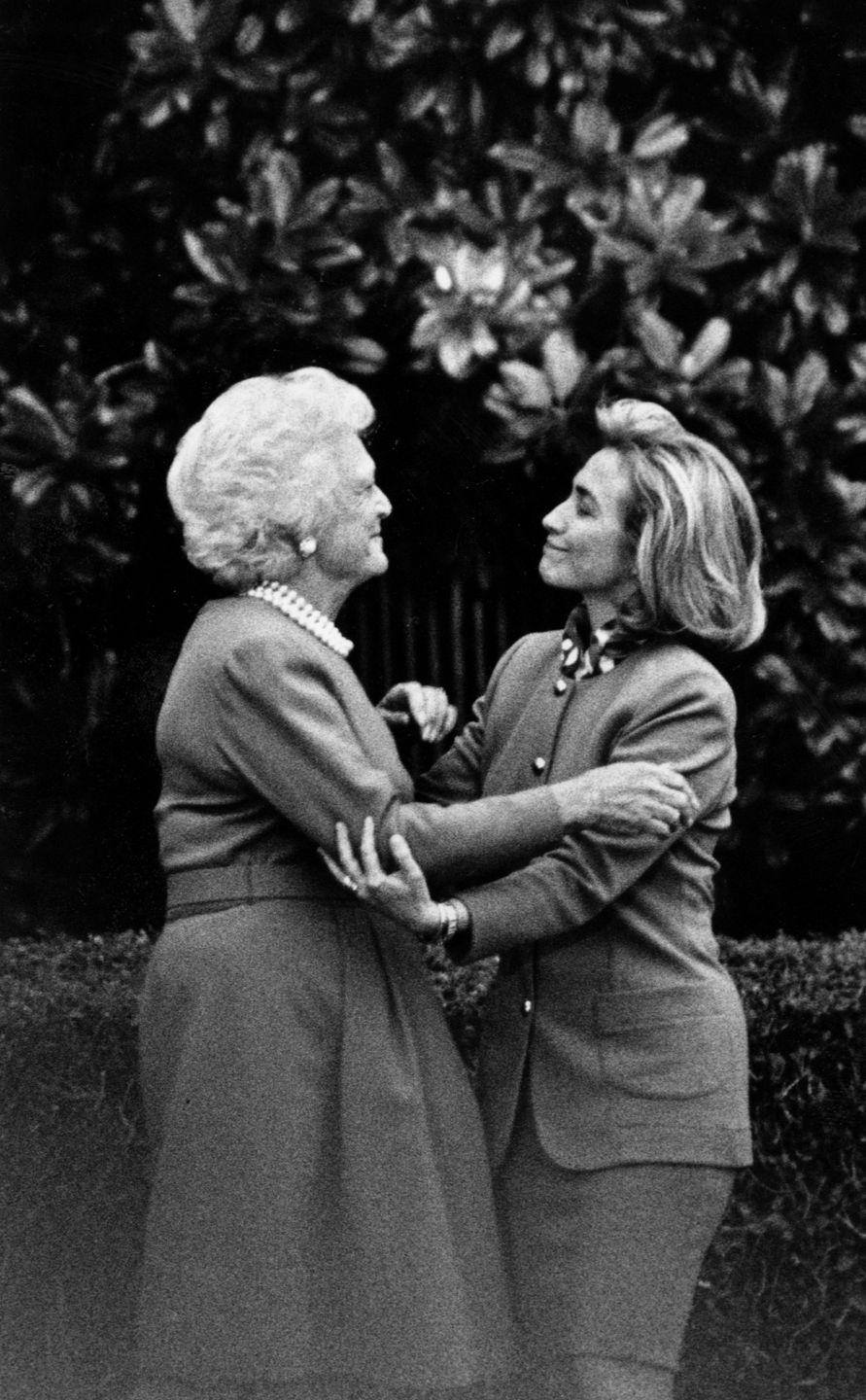 <p>Barbara Bush gives Hillary Clinton a tour of the White House on January 6, 1994.</p>