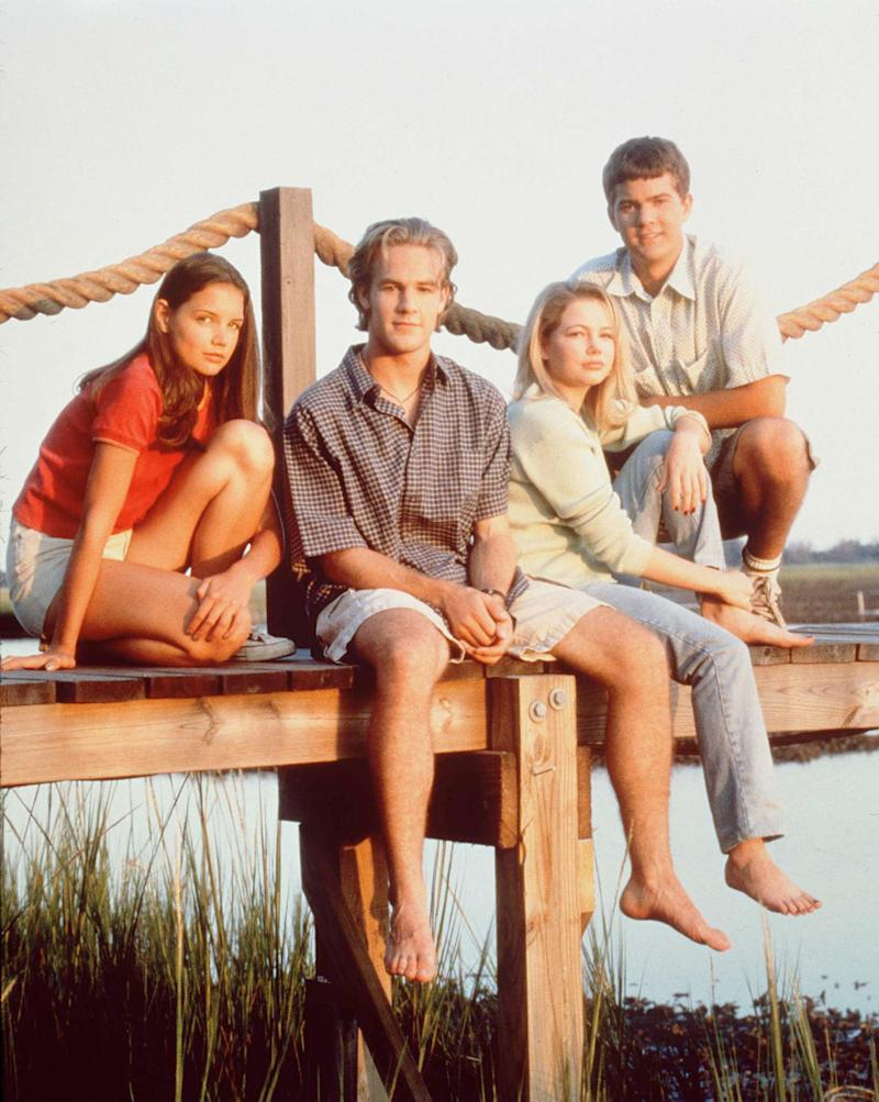"""The cast of television's """"Dawson's Creek"""" —Katie Holmes, James Van Der Beek, Michelle Williams, and Joshua Jackson — poses for a photo in 1997. (Photo: Warner Bros. via Getty Images)"""