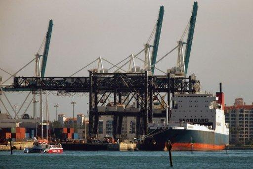 US avoids potentially devastating port strike