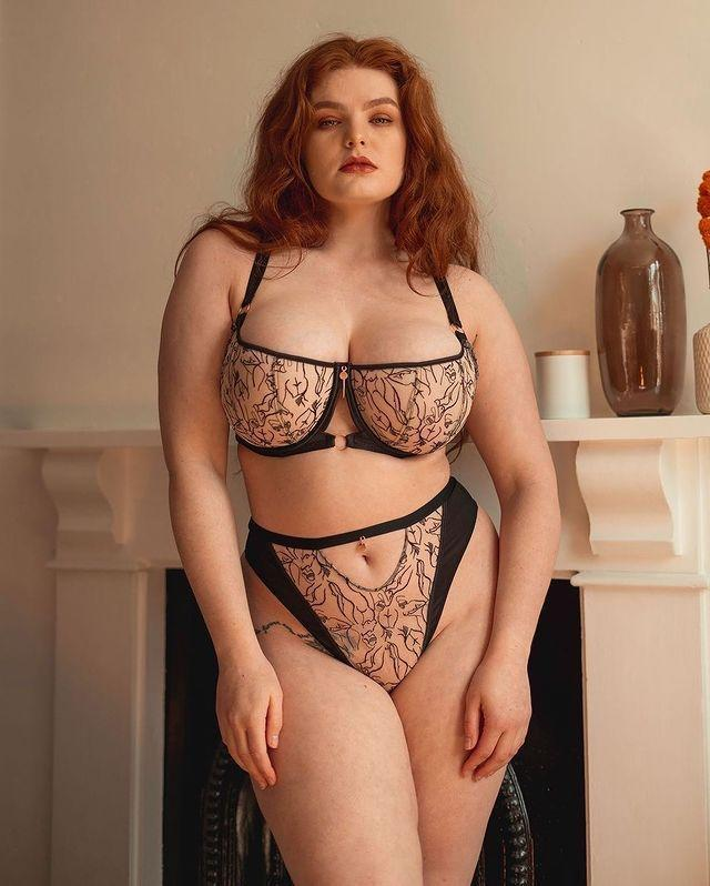 """<p>It's no secret that finding a DD+ bra that's both comfortable and stylish has been a hard task over the years. But anyone who's struggled to source lingerie that's both supportive and sultry should look to Curvy Kate's Scantilly line. Catering to cup sizes up to a 46K, the brand tempers ergonomic construction with cut-outs, mesh inserts, satin strapping, lace racer backs and intricate embroidery.</p><p><a class=""""link rapid-noclick-resp"""" href=""""https://go.redirectingat.com?id=127X1599956&url=https%3A%2F%2Fwww.curvykate.com%2Fcollections%2Fscantilly-lingerie&sref=https%3A%2F%2Fwww.elle.com%2Fuk%2Ffashion%2Fg37290936%2Fbest-lingerie-brands%2F"""" rel=""""nofollow noopener"""" target=""""_blank"""" data-ylk=""""slk:SHOP CURVY KATE NOW"""">SHOP CURVY KATE NOW</a></p>"""