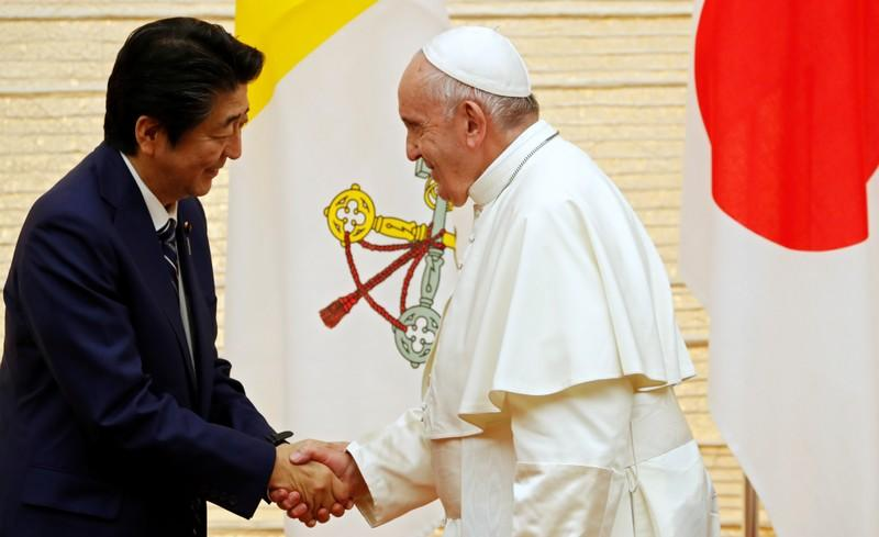 Pope urges world leaders to renounce nuclear weapons during visit to Japan