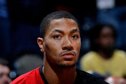 Derrick Rose scored a 3-pointer to force the game into overtime