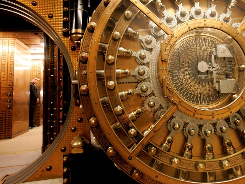 wells fargo bank vault