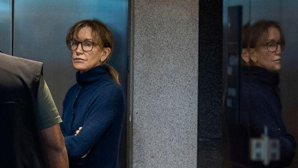 PHOTO: Actress Felicity Huffman is seen inside the Edward R. Roybal Federal Building and U.S. Courthouse in Los Angeles, March 12, 2019. (David Mcnew/AFP/Getty Images)