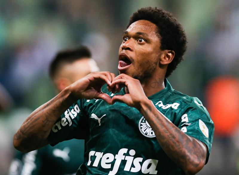 SAO PAULO, BRAZIL - MARCH 10: Luiz Adriano of Palmeiras celebrates after scoring the first goal of his team during the match against Guarani PAR for the Copa CONMEBOL Libertadores 2020 at Allianz Parque on March 10, 2020 in Sao Paulo, Brazil. (Photo by Alexandre Schneider/Getty Images)