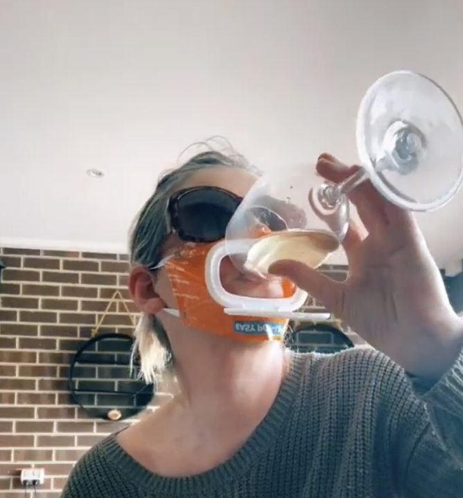 Ms Rumbold demonstrated one of the many convenient uses of the lid flap. Source: TikTok/mumdadof7